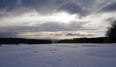 Der Wind treibt den Schnee